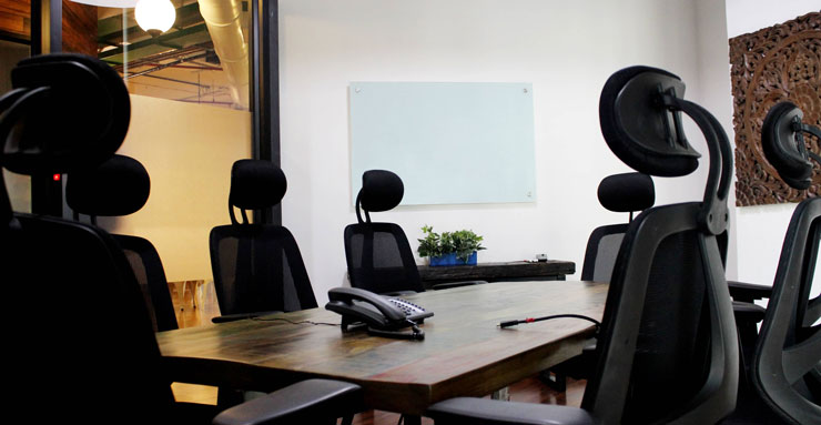 Book 8 Seater Meeting Room in Andheri East